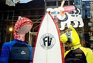 Surf.jpg: 1000x675, 110k (03 septembre 2017 à 16h24)
